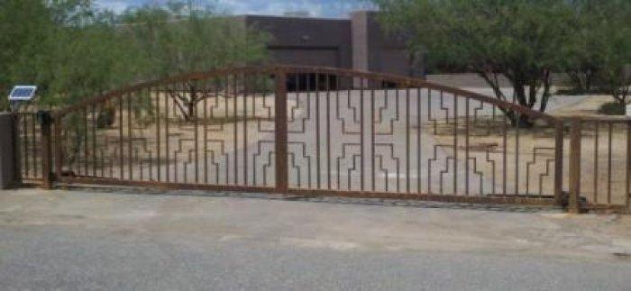 Driveway Gate   Double Gate   Rusted Metal Gate   Custom Design Gate