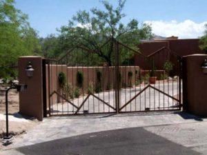 Driveway Gate | Double Gate | Mountain Style Double Gate