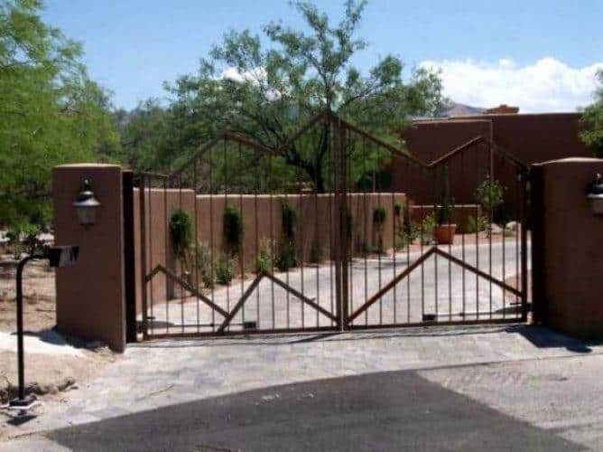 Driveway Gate | Double Gate | Mountain Style Double Gate