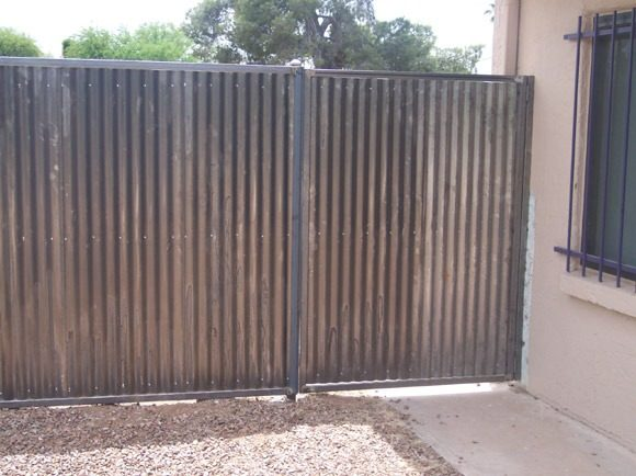 Corrugated Steel Fence with Single Gate | CF205