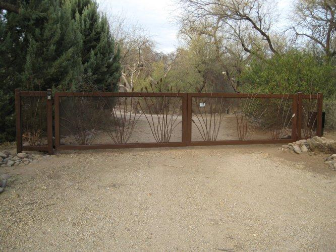 Driveway Gate | Double Gate | Gate with Ocotillo Design