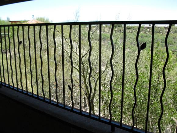 Iron handrail wavy alternate pattern with leaf motif IF218