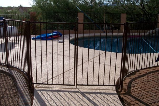 IF100-7 ST Pool Fence