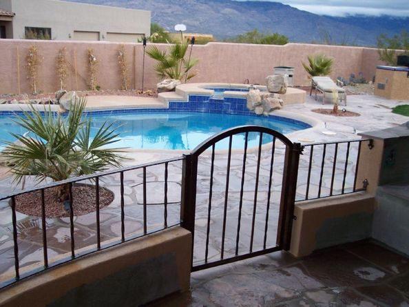 IF208 Pool Fence