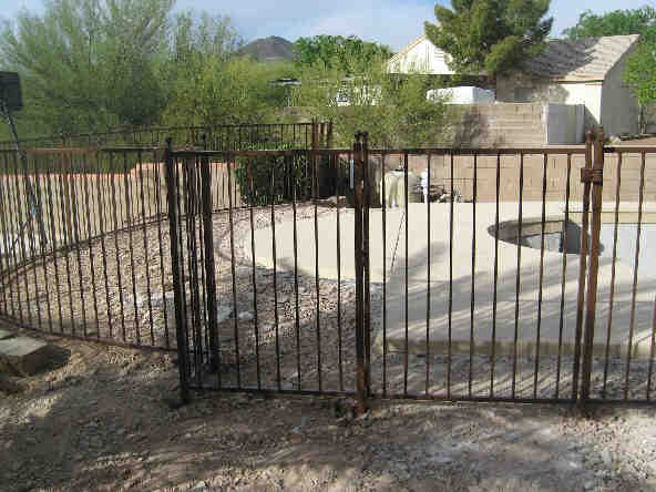IF215 Pool Fence