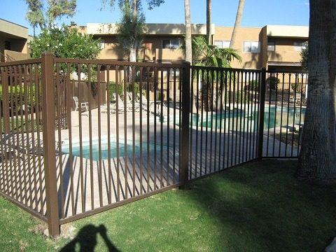 IF216-3 IF Pool Fence