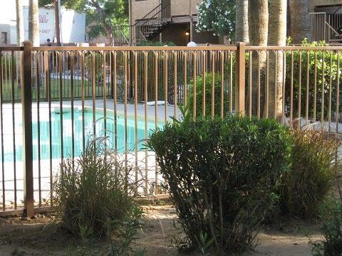 IF216-4 IF Pool Fence
