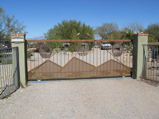 Driveway Gate | Rusted Metal Gate | Southwestern Style Gate