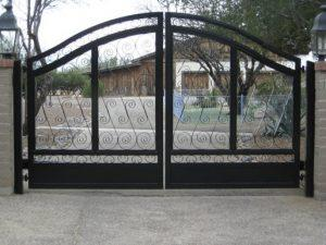 Driveway Gate | Double Gate | Gate with Scrolls
