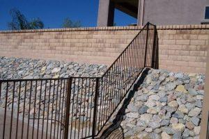 Wrought iron fence on reinforcing rocade IF100-8 ST
