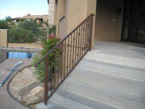 Wrought iron stair rail with knuckles IF109 K