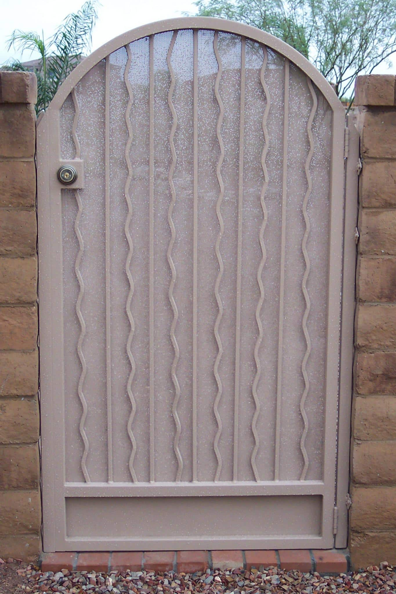 Wrought iron gate wavy pattern with metal backing and white finish IG017