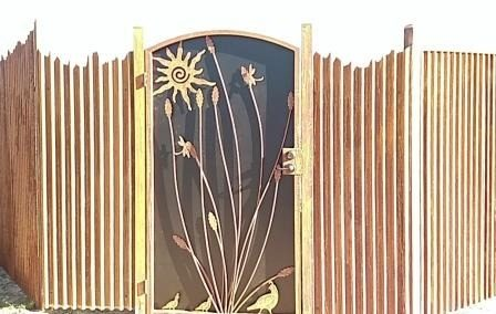 CF235 Corrugated Steel Fence with Southwest Design