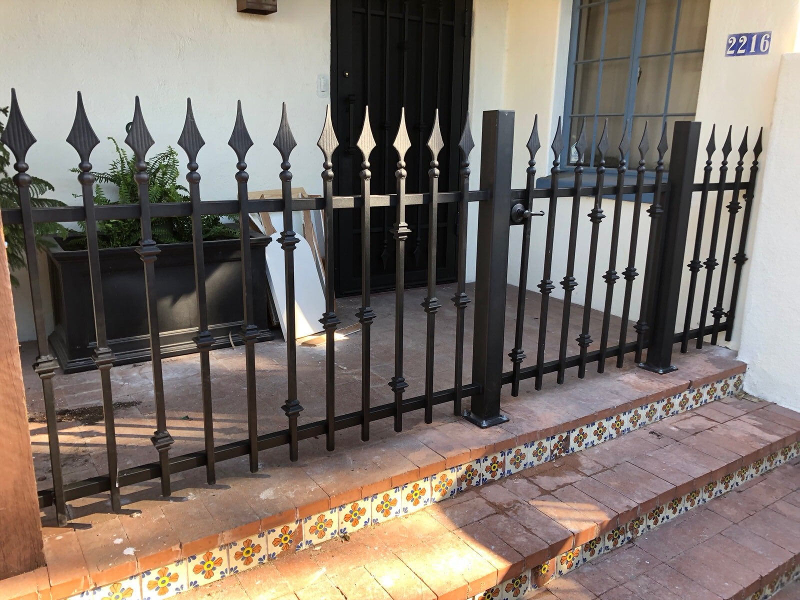 Low iron fence and gate with knuckles and spear endings 1671 - Installed in downtown Tucson