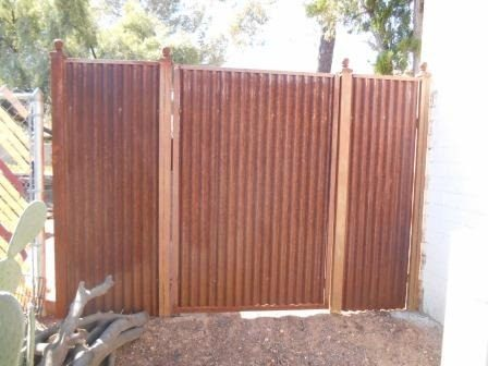 Corrugated Steel Fence | CF240-4