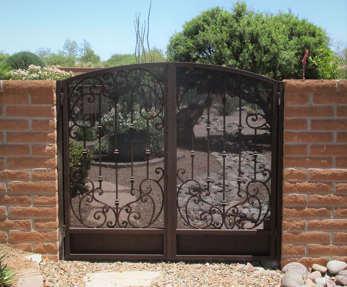 Double wrought iron gate with scroll work and knuckles IMG 0546 - Built in Tucson AZ